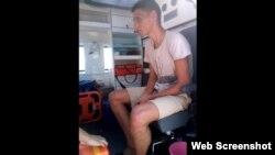Михаил Дорошенко в карете скорой помощи в Крыму