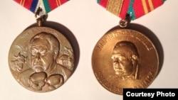 вивристические медали с портретом Владимира Котлярова