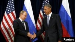 ՄԱԿ-ի Գլխավոր ասամբլեայի 70-րդ նստաշրջանում ելույթ ունենալուց հետո հանդիպում են ԱՄՆ-ի և ՌԴ-ի նախագահներ Բարաք Օբաման և Վլադիմիր Պուտինը, Նյու Յորք, 28-ը սեպտեմբերի, 2015թ.