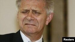У главы Нацбанка Польши Марека Бельки, оказавшегося в центре скандала с прослушкой, сейчас мало причин для хорошего настроения