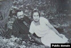 Адам Бабарэка з жонкай у высылцы, 1934 г.