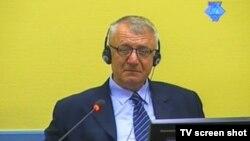 Vojislav Šešelj u sudnici Haškog suda