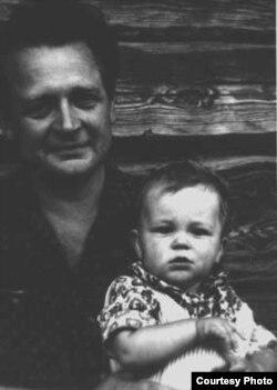 Артур Вольскі з сынам Лявонам, 1966