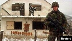 Архивска фотографија: Холандски мировник во Босна во 1993 година.