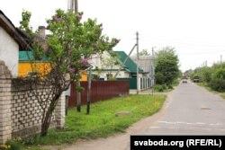 Вуліца ў раёне Чапаеўка, дзе пасьля забойства міліцыянта 16 траўня затрымалі дзясяткі цыганоў