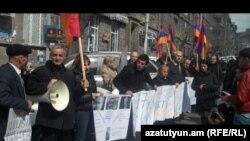 Բողոքի ցույց Երեւանում` ընդդեմ Տիգրան Փոստանջյանի ձերբակալության: 11-ը մարտի, 2011 թ.