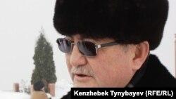 «Жас Алаш» газетінің бас редакторы Рысбек Сәрсенбайұлы. Алматы, 11 ақпан 2012 жыл.