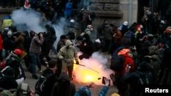 Протестувальники на Банковій, Київ, 1 грудня 2013 року