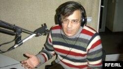Həmid Herisçi AzadliqRadiosunun studiyasında
