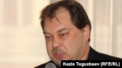 """Тіркелмеген """"Алға"""" партиясы жетекшісінің орынбасары Михаил Сизов."""
