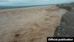 Сузак районундагы Көк-Арт дарыясы.