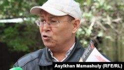 Главный редактор журнала «Жулдыздар отбасы. Аныз Адам» Жарылкап Калыбай. Алматы, 11 мая 2014 года.