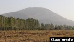 Спорная гора Ункур-Тоо. Вид со стороны аэропорта в Кербене. Фото блоггера Адылжана Шамшиева.