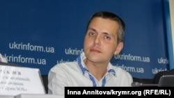 Yuriy İlçenko Kiyevde keçirilgen matbuat konferentsiyasında, 2016 senesi, avgust 17