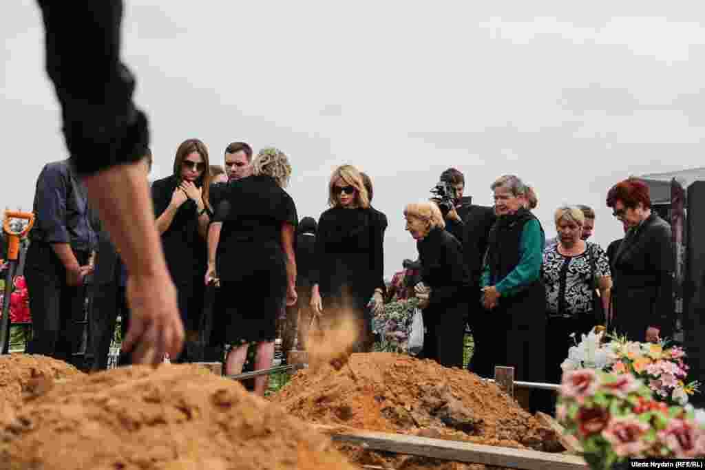 Алесь Ліпай памёр 23 жніўня 2018 году ў Менску пасьля цяжкой хваробы. Яму было 52 гады.