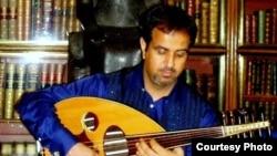 الموسيقار العراقي أحمد مختار يعزف في المتحف البريطاني