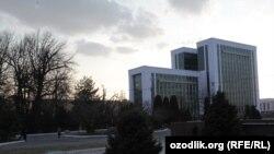 Здание Минфина в Ташкенте.