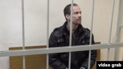 Активист Ильдар Дадин в суде