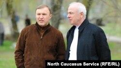Экс-премьер Адыгеи Мурат Кумпилов с дядей Асланом Тхакушиновым, главой республики.