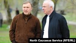 Племянник главы Адыгеи Аслана Тхакушинова (справа) Спикер Госсовета Мурат Кумпилов (слева) считается будущим главой региона.