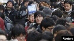 Redovi za novi Ipad, Tokio, 16. mart 2012.