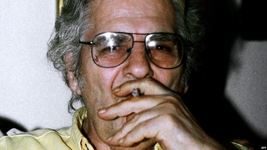 احمد شاملو؛ زنده در اعتراض، ماندگار در ادبیات - سپیده گرگانی