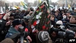 Во время акции в память о Сергее Назарове в Казани. 15 марта 2012 г