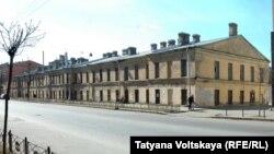 Здание казарм лейб-гвардии Семеновского полка в Петербурге