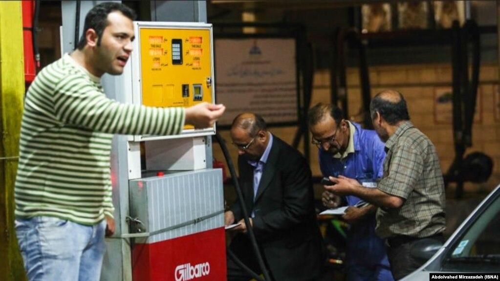 از ۲۴ آبان ۹۸، قیمت بنزین معمولی غیرسهمیهای هر لیتر ۳ هزار تومان شد