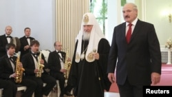 Аляксандар Лукашэнка і патрыярх Маскоўскі ды ўсяе Русі Кірыл у Менску ў кастрычніку 2012 году.