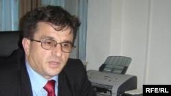 Drejtori i Agjencisë, Hasan Preteni