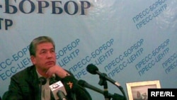 Депутат Жусупжан Жээнбеков баласы Бактыярды издеп Россия менен Казакстанга барып келди.