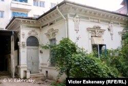 Casă în stil Art Nouveau complet abandonată (Str. Schitu Măgureanu)