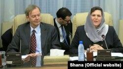 وزیر اقتصاد بایرن (راست) در جریان نخستین سفرش به تهران در آبان ۹۴