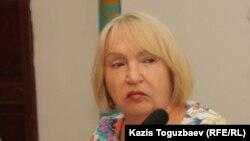 «Әділ сөз» құқық қорғау ұйымының жетекшісі Тамара Калеева. Алматы, 23 шілде 2013 жыл.