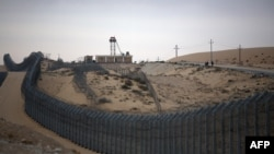Граница между Египтом и Израилем. Август 2013 года.