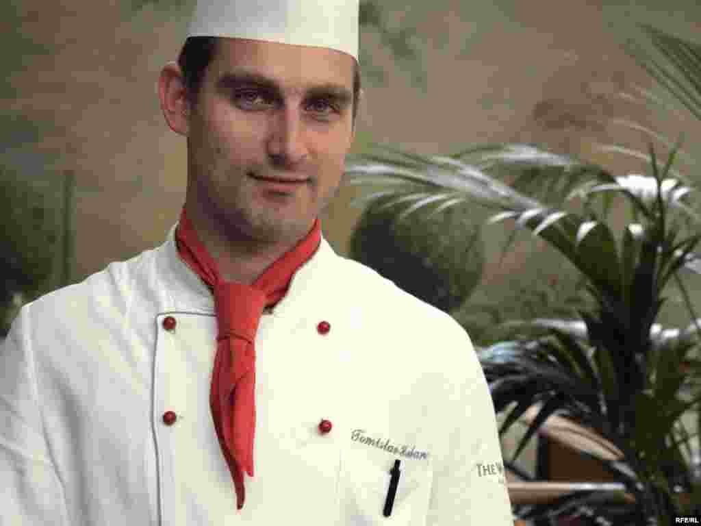Hrvatska - Prvi na Balkanu - Tomislav Hruban,pobjednik je natjecanja ¨Zlatni kuhar Balkana¨, koje je po prvi put održano u Beogradu.