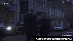 Зустріч депутатів Дмитра Святаша та Володимира Кацуби під офісом Коломойського
