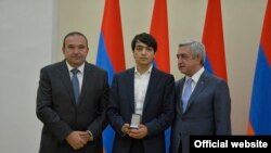 Կրթության նախարար․ Սերժ Սարգսյանը տեղյակ չէր, որ պարգևատրում է Հրազդանի քաղաքապետի որդուն