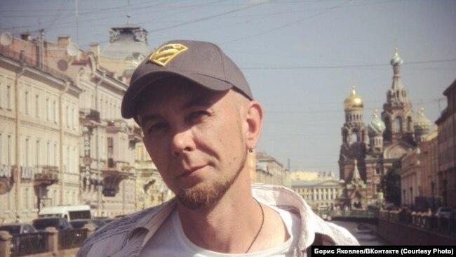 Борис играл в Санкт-Петербурге в рок-группе