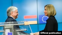 Armenian Foreign Minister Edward Nalbandian and EU HR/VP Federica Mogherini at a joint press conference in Brussels, May 23, 2017