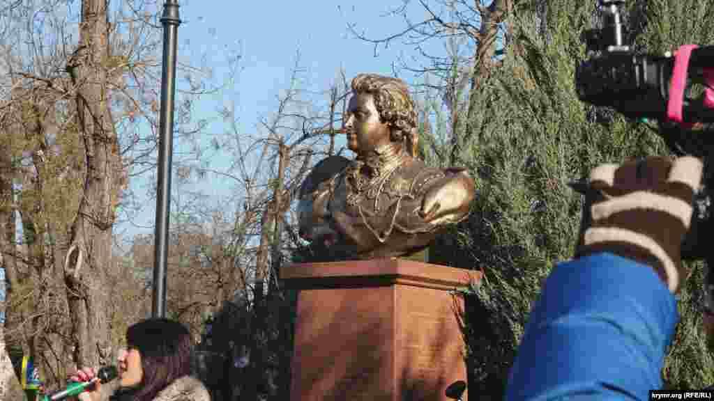 Это уже пятый памятник в рамках проекта «Аллея русской славы»