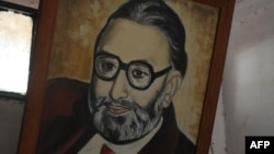A portrait of Pakistan's only Nobel laureate Professor Abdus Salam at the state-run school where he received his early education in the town of Jhang (file).