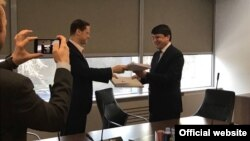 Церемония подписания нового соглашения между компаниями ТАЛКО и РУСАЛ