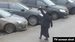 Çagany öldürmekde aýyplanýan özbegistanly Gülşehra Bobokulowa, Moskwa, 29-njy fewral, 2016