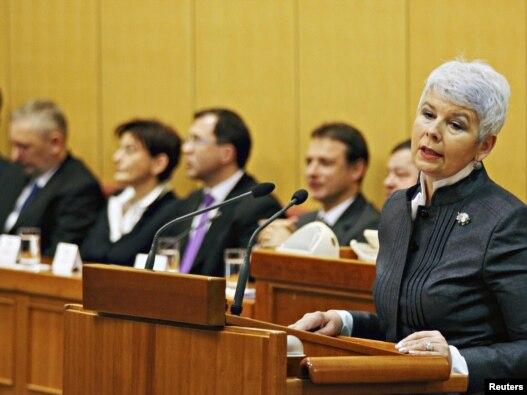 Jadranka Kosor u obraćanju Saboru, uoči glasanja o predloženoj rekonstrukciji Vlade, 29. prosinac 2010.