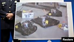 Fotografi arkivi e tenxhereve me presion e policisë në Kanada që janë shfrytëzuar nga dy persona të arrestuar që kanë provuar të realizojnë një sulm terrorist në Surrey, British Columbia, 2 korrik 2013.