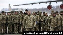 Президент Украины Петр Порошенко на полигоне в Житомирской области