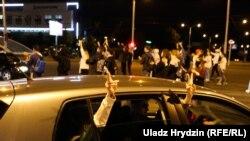 A patra noapte de proteste în Belarus, Minsk, 12 august 2020.