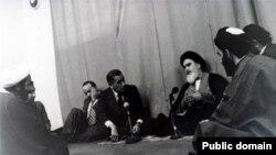 محمد حسنین هیکل در گفتوگو با آیتالله خمینی در دوران اقامتش در پاریس